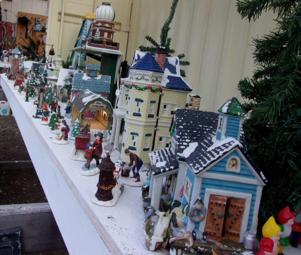 A very busy Holiday Village